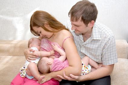 Come allattare una coppia di gemelli